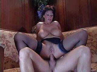 Lana caliente natural Rhodes es aplastada por un hombre xxx español latino gratis negro.