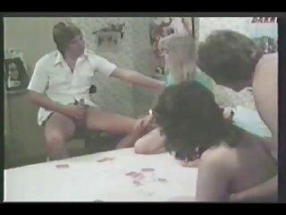 Ama de casa se videos de porno latinos masturba en una pequeña jaula