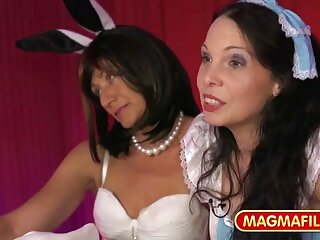 Bambi Bliss, Angelina, video xxx en español latino enciende la Radio.